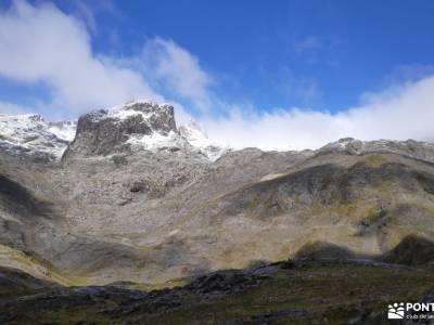 Corazón de Picos de Europa;senderismo en familia irati bosque viaje exotico rutas sierra de grazale